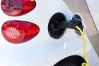 Rząd: milion samochodów elektrycznych w Polsce za 10 lat